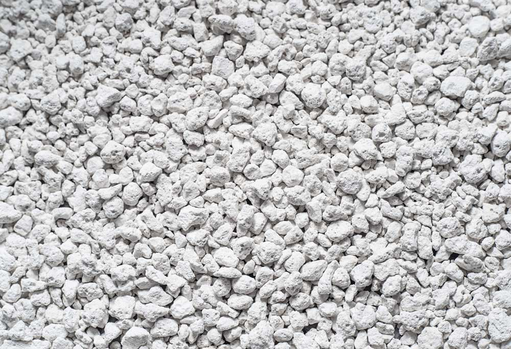 Close up of white kitty litter